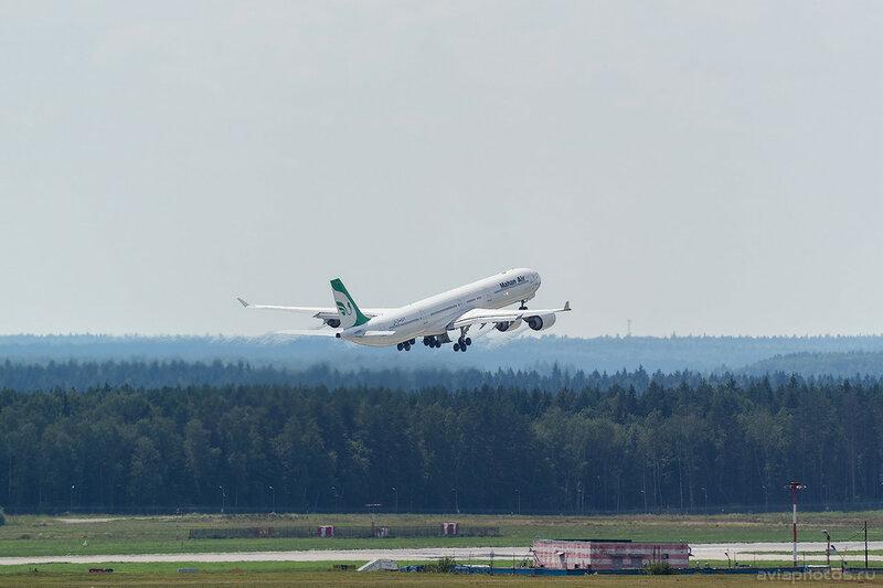 Airbus A340-642 (RP-MMR) Mahan Air D805451