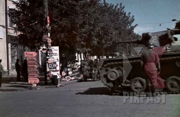 stock-photo-panzer-in-kramatorsk-ukraine-1942-9th-panzer-division-10567.jpg