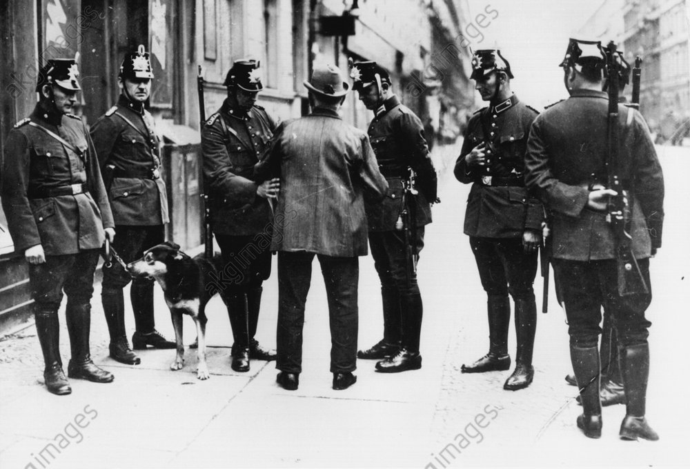 Razzia in Berlin 1931 - -