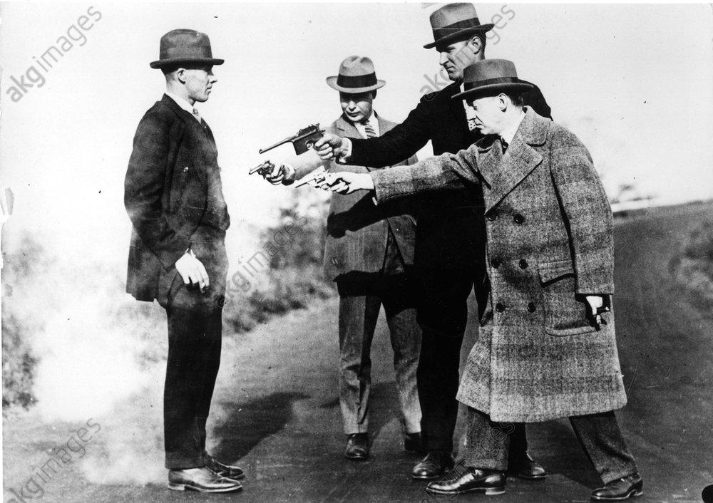 Kugelsichere Weste / Foto um 1925 - -
