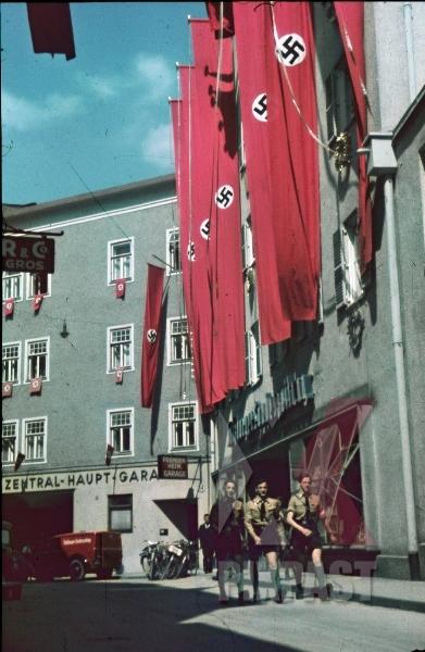 stock-photo-hitler-youth-in-salzburg-austria-9260.jpg