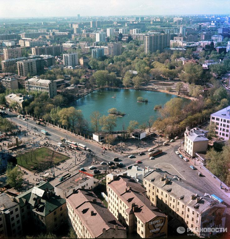 1971 Вид сверху на московский зоопарк. Анатолий Сергеев-Васильев.jpg