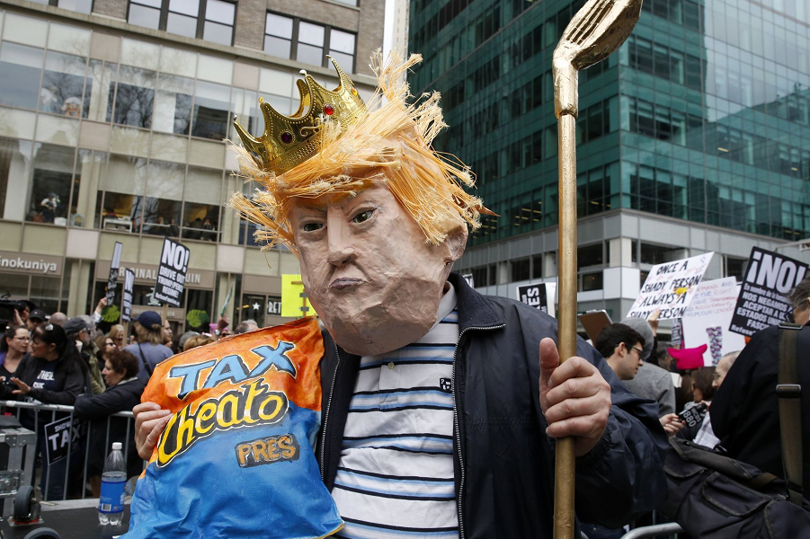 Марш налогов против Трампа, Нью-Йорк, 15.04.17 (2).png