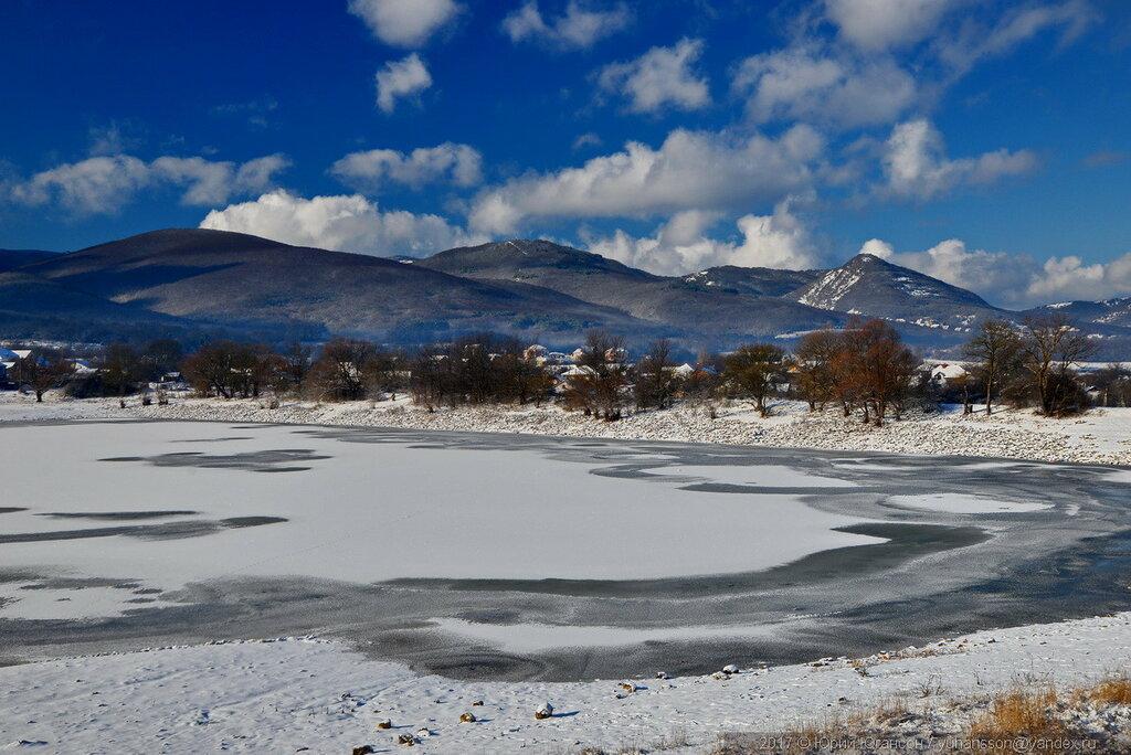 По зимней крымской дороге