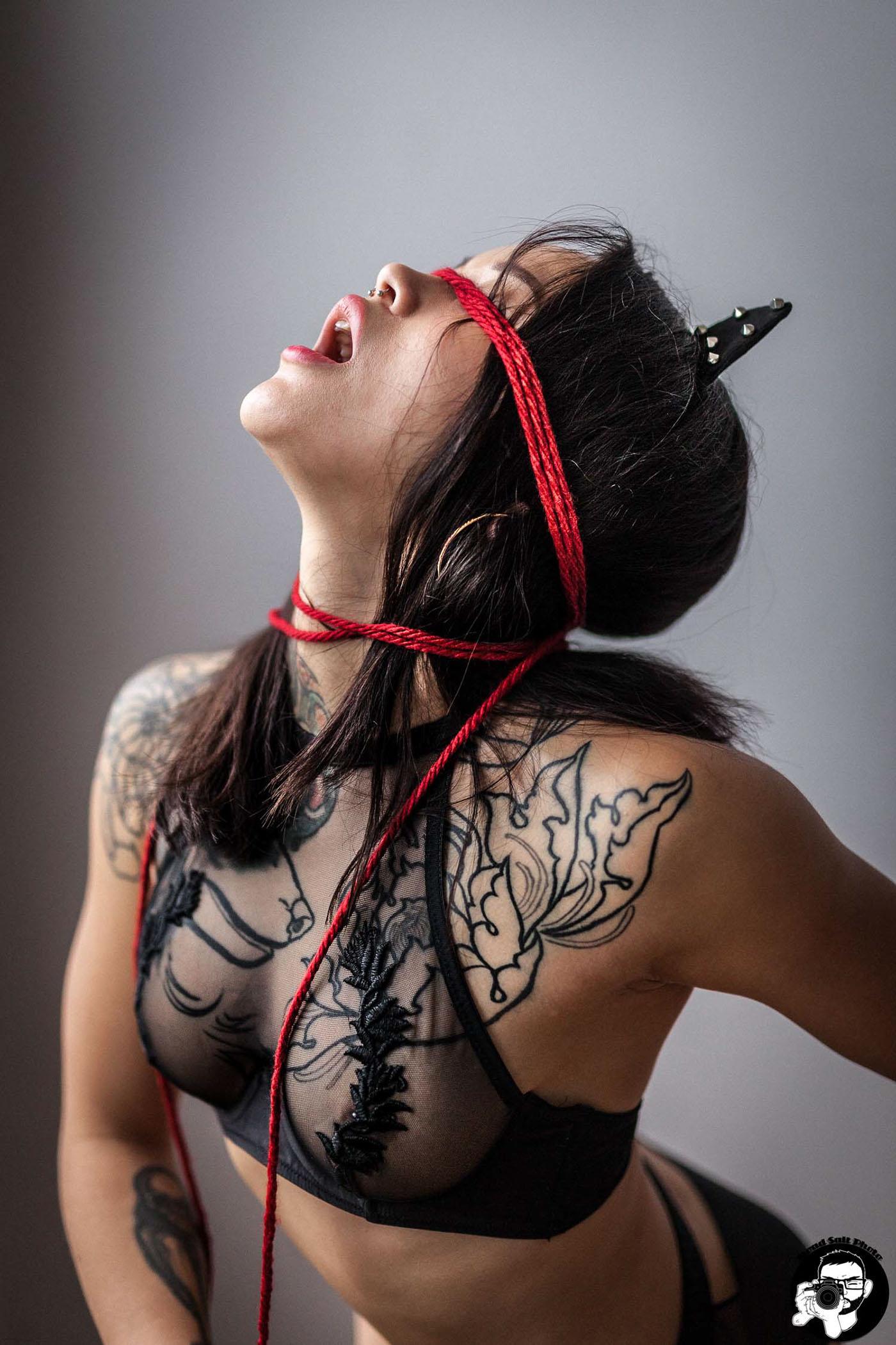 Красная веревка - Di / Roadsalt Photo