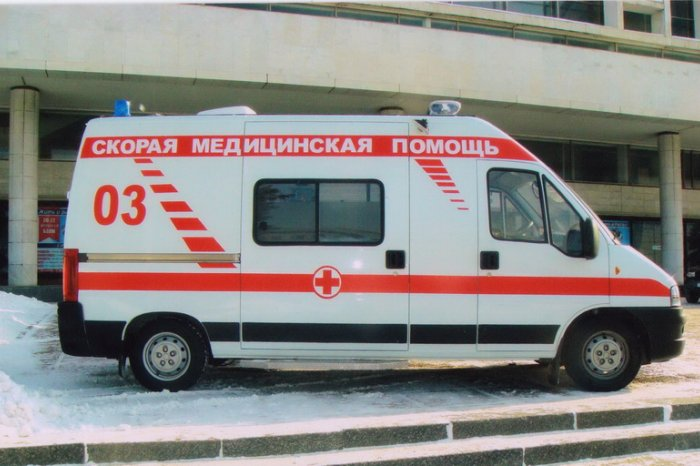 ВКузбассе женщина пострадала, когда спускалась попростыням надискотеку