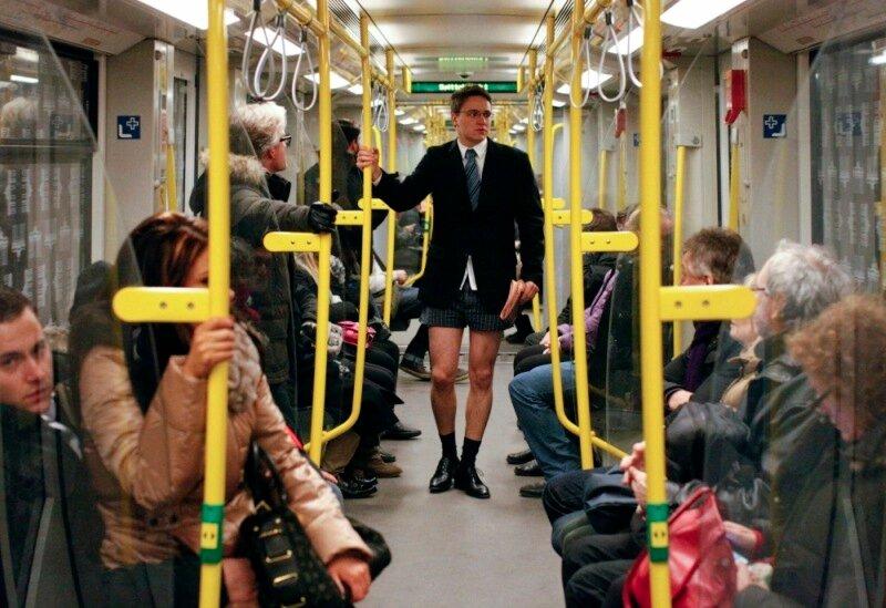 Типичные попутчики в вагоне поезда — веселые картинки