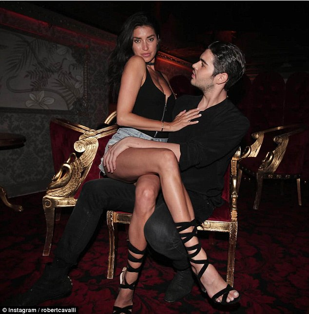 Роберт, сын знаменитого итальянского дизайнера Роберто Кавалли, частенько тусуется с Наоми Кэмпбелл