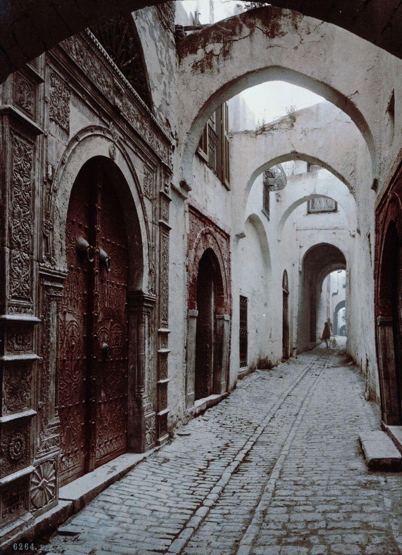 Улица в Тунисе.
