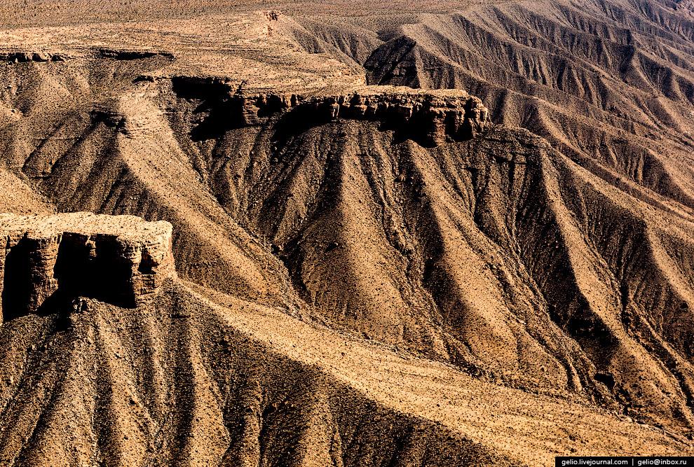 13. Протяжённость крайне изрезанной береговой линии водохранилища Лейк Мид — более 1200 километ