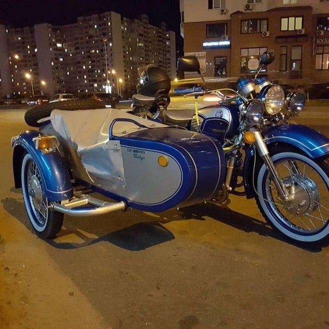 Мотоцикл Днепр оснащен 650-кубовым мотором мощностью 32 л. с. Также предусмотрены электростартер и э