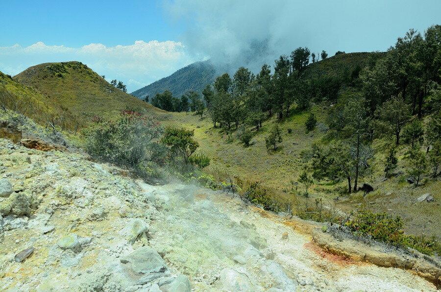 Вид на кратер