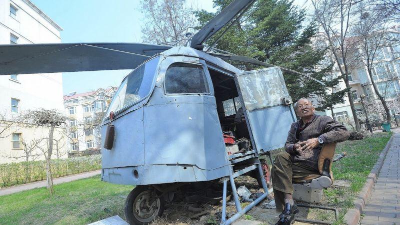 Китайский старик десять лет строил вертолет