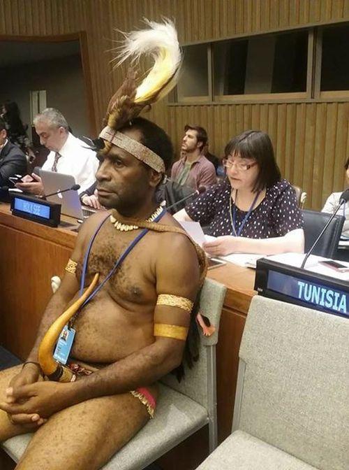 Когда пришел на заседание в национальном костюме