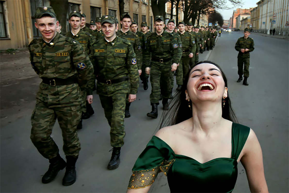 Weird Russia - The offbeat street photography of Alexander Petrosyan
