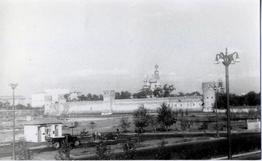 23767 АЗС около Новодевичьего монастыря 50-е.jpg