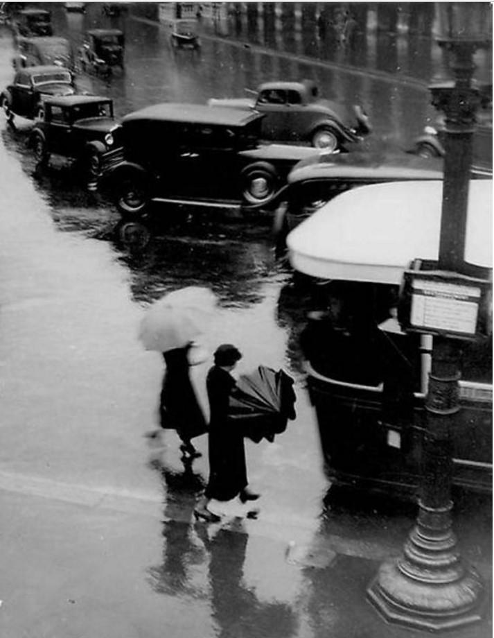 1937. Риволи в дождливый день