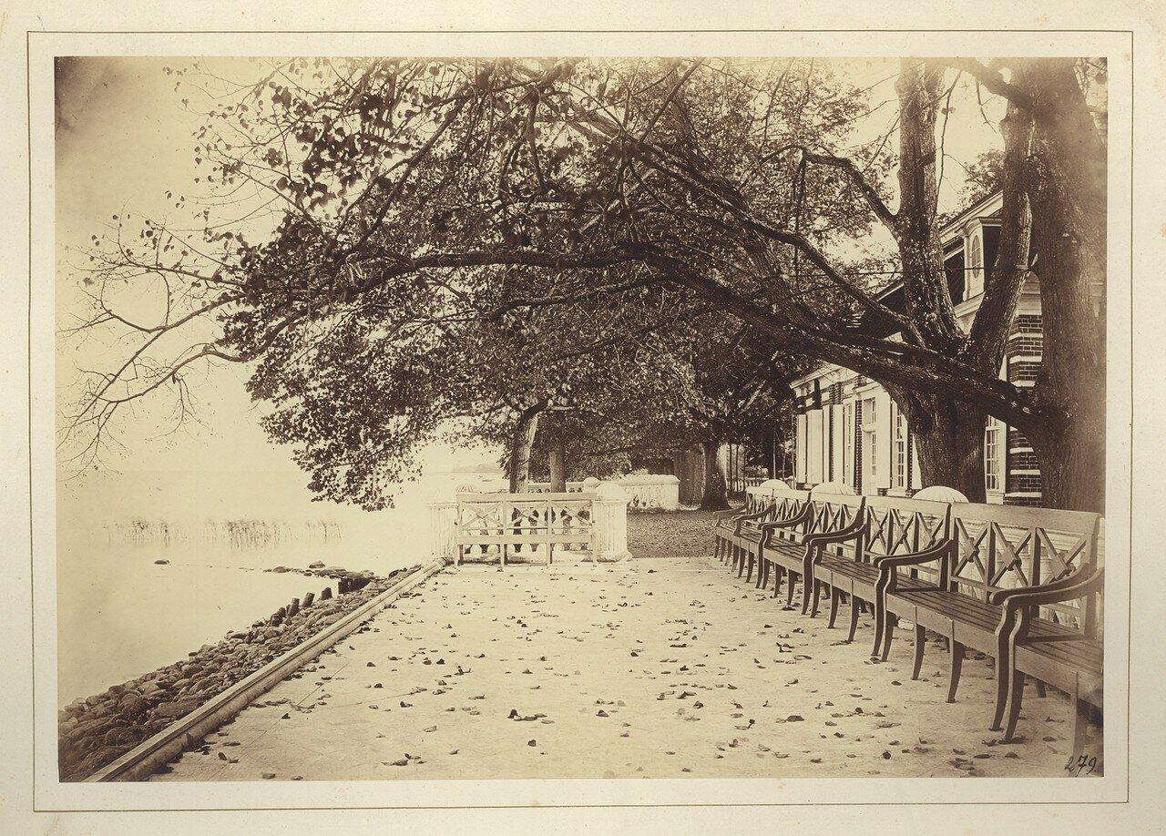 1857. Мраморная площадка на морской террасе Монплезира