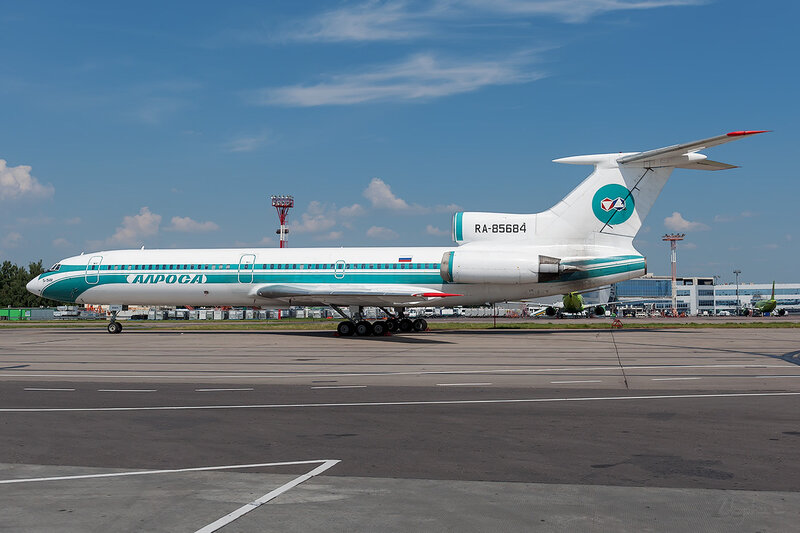 Туполев Ту-154М (RA-85684) Алроса D707115