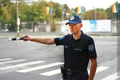 Дорожную полицию Молдовы — переодели с иголочки