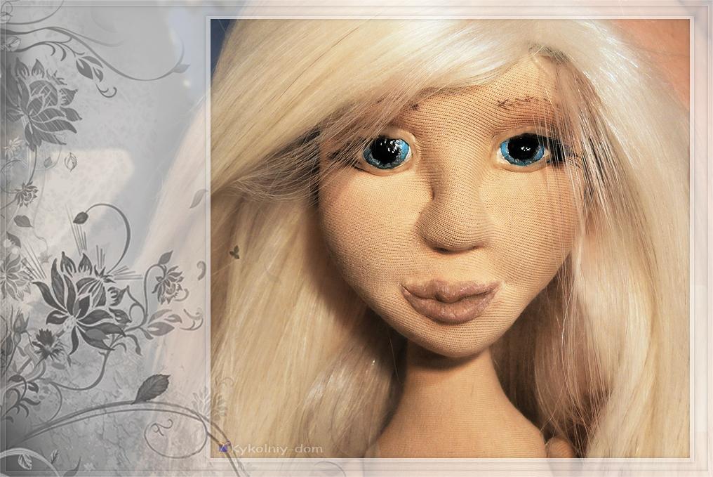 Zoi и зайка. Интерьерная текстильная кукла с игрушкой из шерсти., подарок, текстильная кукла, интерьерная кукла, шарнирная кукла, войлочная игрушка, игрушка из шерсти, продаётся кукла, валяние, зайка
