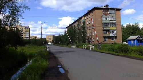 Фото города Инта №5084  Юго-западный угол Дзержинского 4 14.07.2013_12:50
