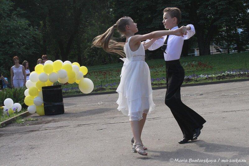 Танцы в честь Дня семьи, любви и верности, Саратов, 06 июля 2013 года