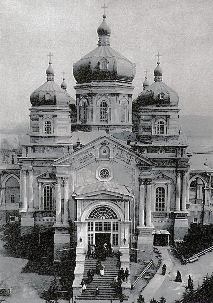 Вознесенкий собор на территории Вознесенского монастыря Иркутска