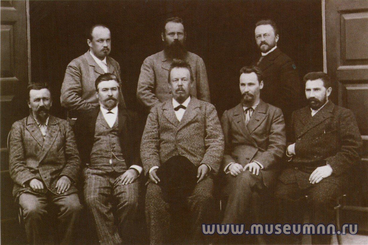 1895. А.С.Попов (изобретатель радио) с сотрудниками электростанции (Нижний Новгород)
