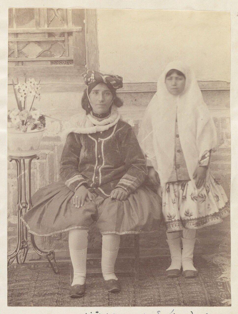 Кормилица Макдикули Хана и Ишрат