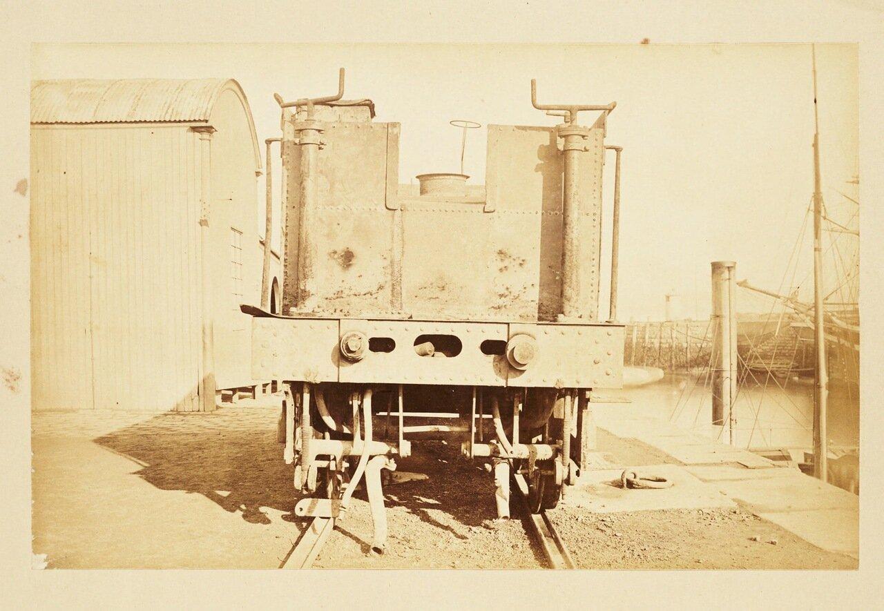 Фотография частей поезда, уцелевших после катастрофы