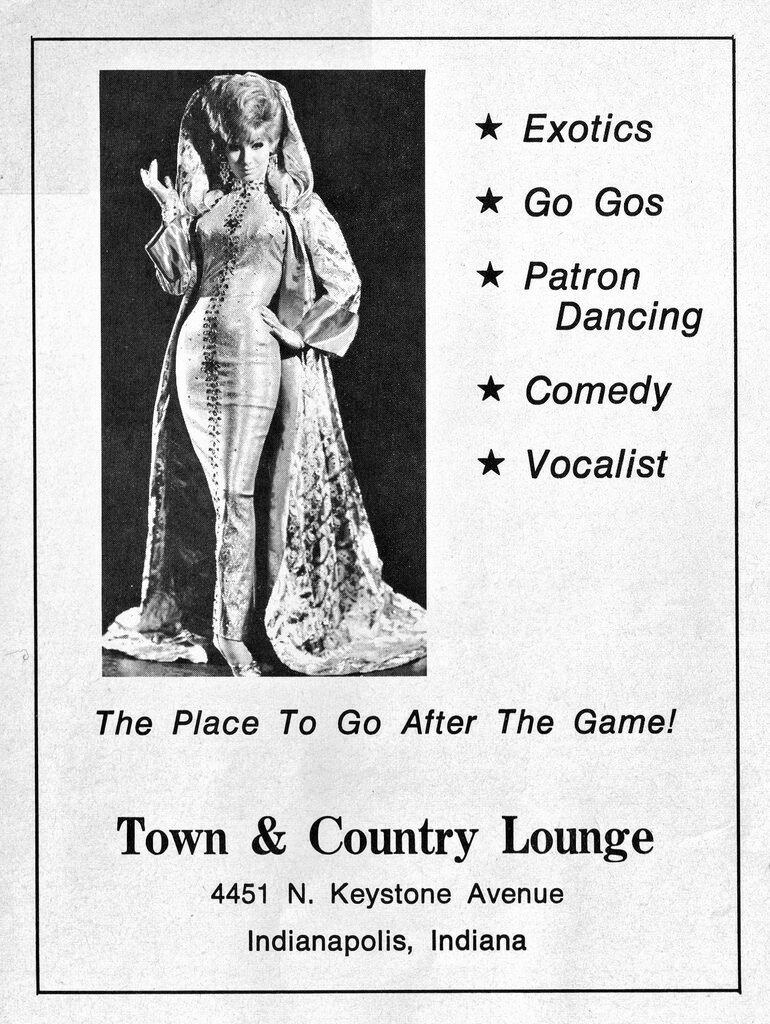 Town & Country Lounge.jpg