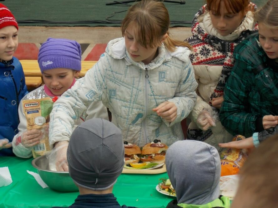 ФОТОРЕПОРТАЖ: В запорожском парке устроили колбасный фестиваль, фото-2