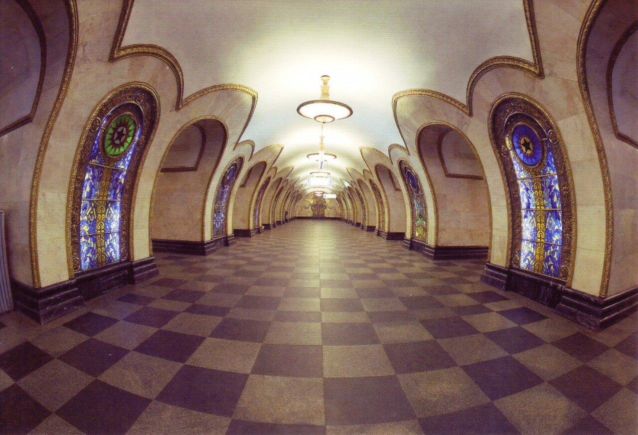 Московское метро в открытках