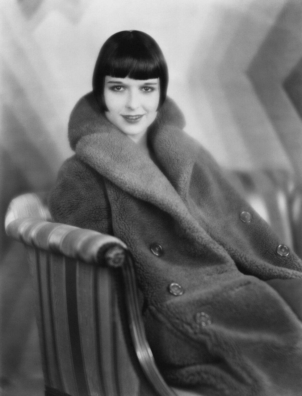 Louise Brooks 1927 - Photo by Eugene Robert Richee