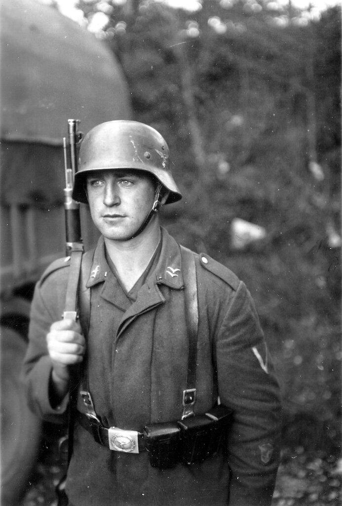 1941-1944 137