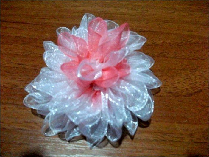 Цветок георгин из ленты