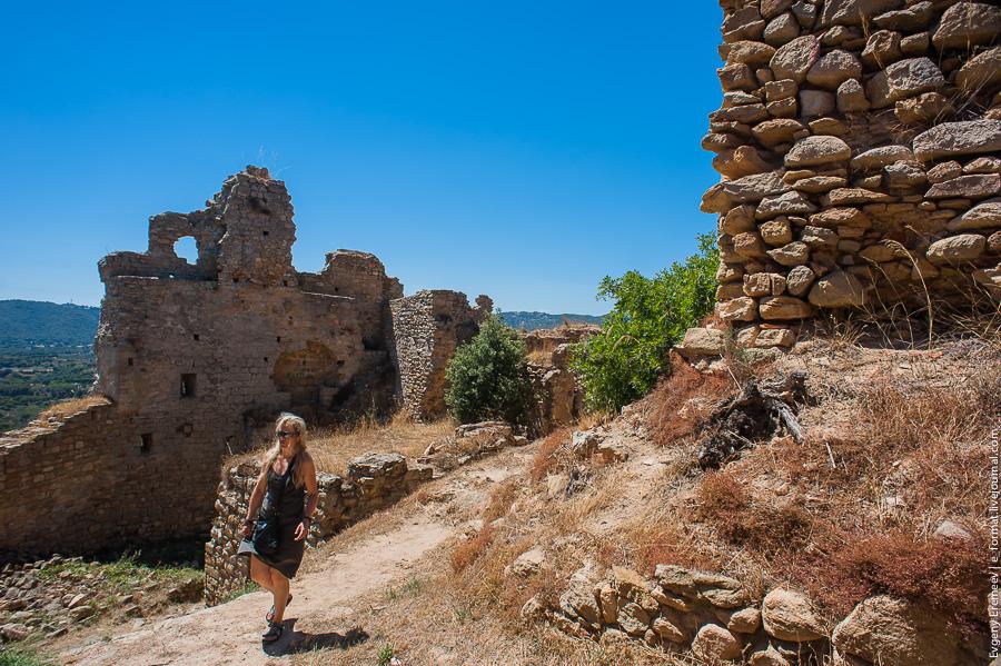Замок Палафойс
