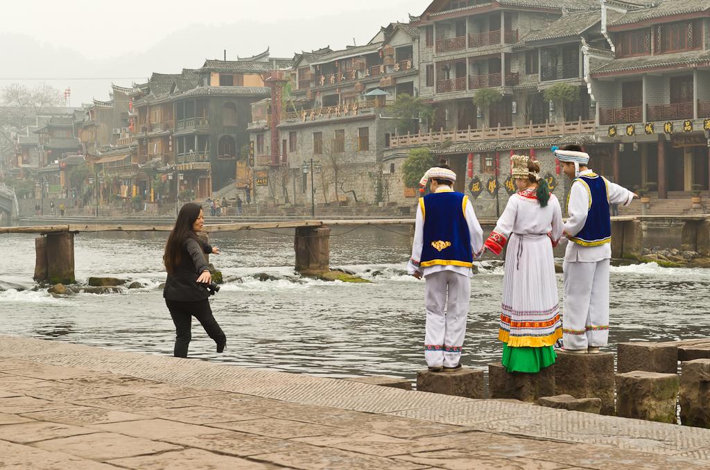 5. Фотосессия на берегу реки Tuojiang
