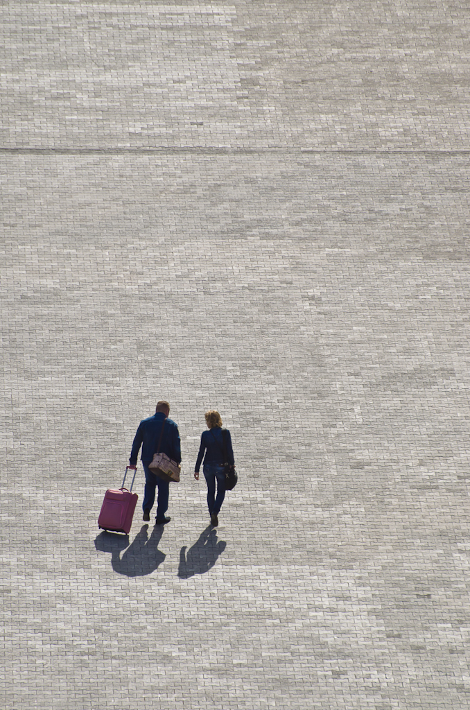 4. Белые люди едут в отпуск. Сюжеты репортажа со споттинга.