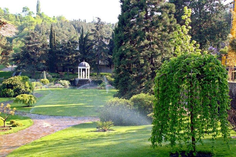 Английский пейзажный сад в стиле модерн в парке Айвазовского