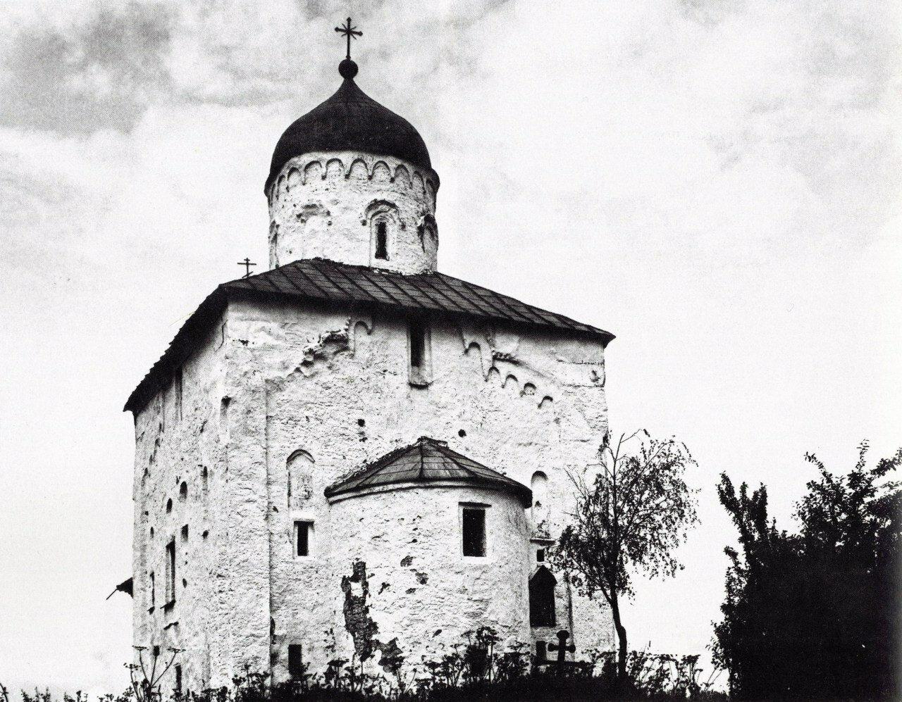 Церковь Николы на Липне. Вид с юго-востока