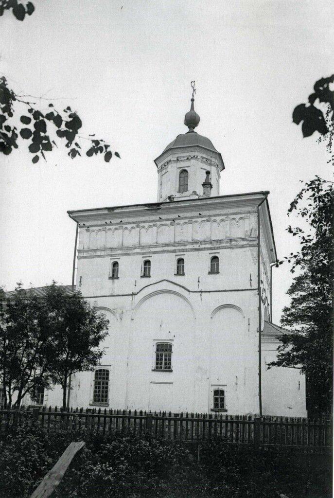 Церковь Успения в Колмово