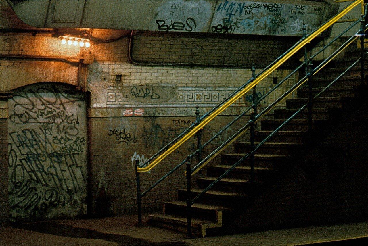 1983. Лестница на станции метро