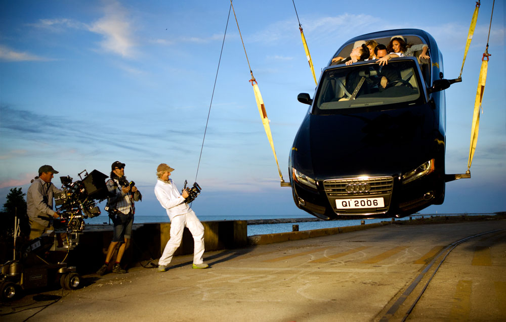 Director Michael Bay and his crew shoot an action sequence in Chicago with actor Han Geng.
