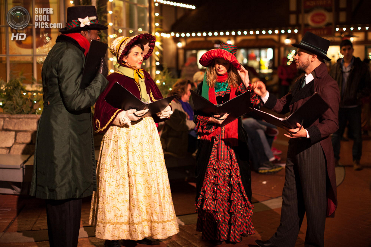 The Carolers of Christmastown