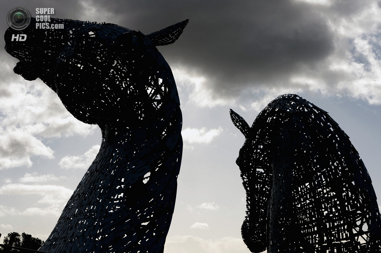 30 Meter Horse Head Sculptures Near Completion