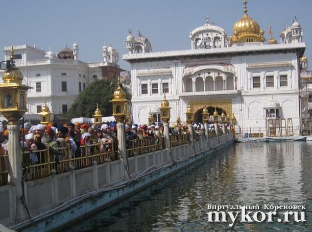 Золотой храм Хармандир-Сахиб фото