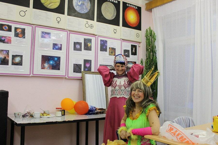 Царевна Несмеяна и Мамка. Ольга Калинина и Лариса Бойцова.