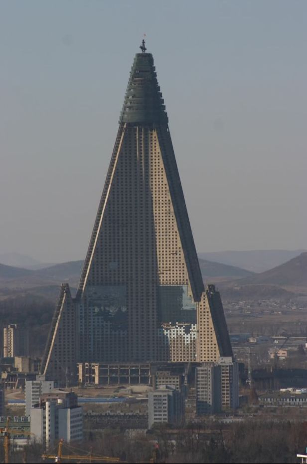 Just fantastic building. Inside area of Ryugyong Hotel is about 360 000m².